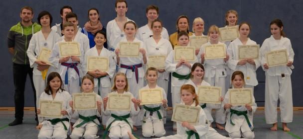 """""""Neue"""" Gürtel bei der Taekwondo Abteilung des TuS Mensfelden"""